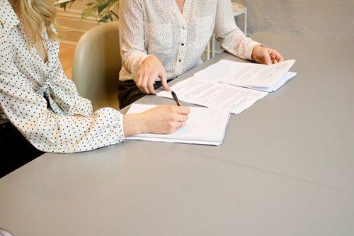 La rémunération des secrétaires chez Héternel, compagnie d'assurance-vie