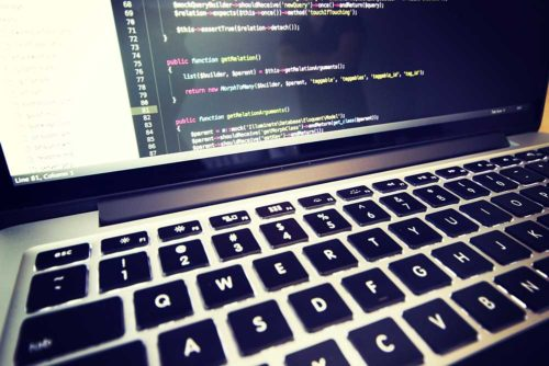 Le TALN en aide à la codification semi-automatique de produits
