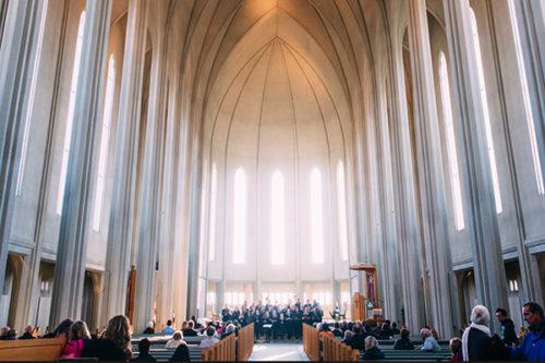 La pratique religieuse et les exigences du travail