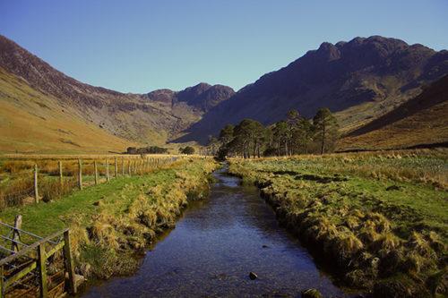 Connaître les débits des rivières : quelles méthodes d'extrapolation lorsqu'il n'existe pas de station de mesures permanentes ?